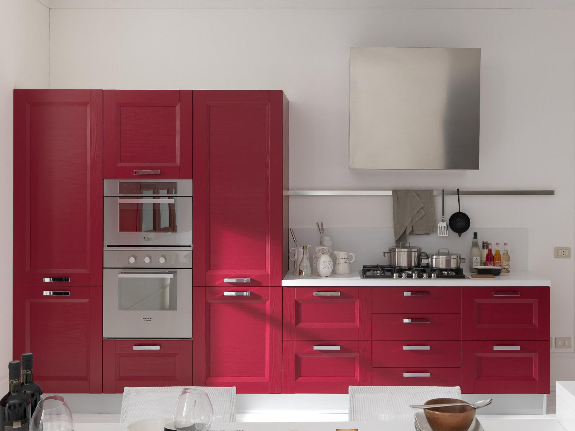 Cucina rossa cucina rossa ante inferiori decorazioni with for Peso de cocina ikea