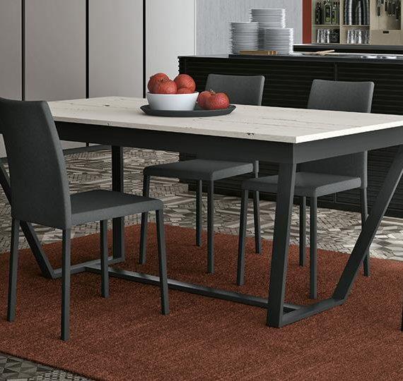 Cucine lube tavoli e sedie skandi tavoli e sedie cucine for Mobilia store cucine
